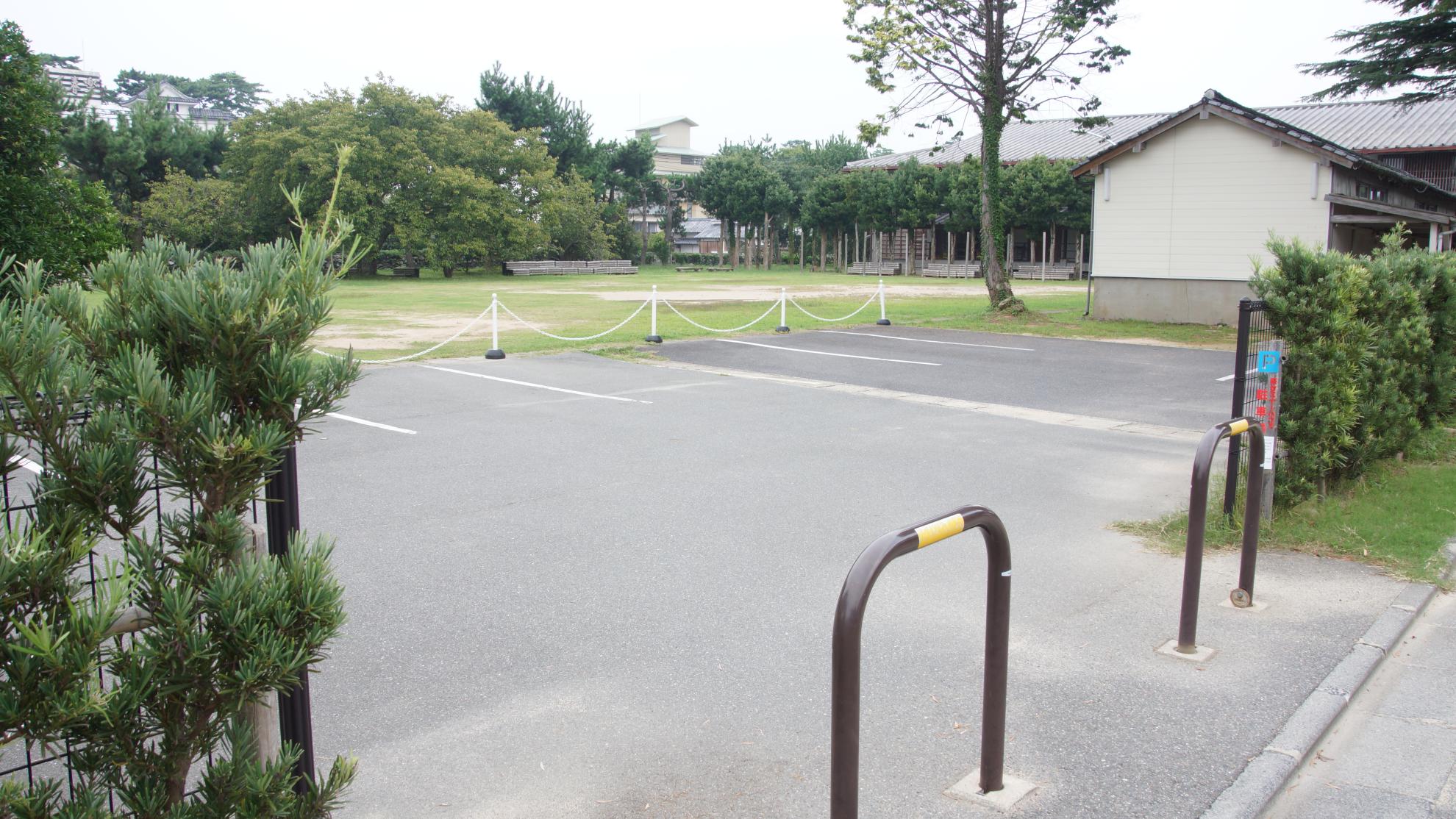 萩セミナーハウス | 駐車場